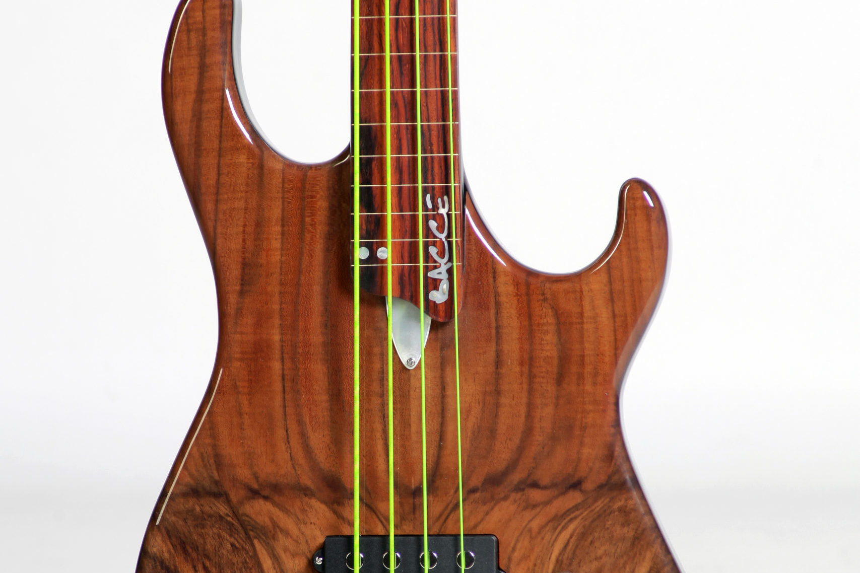 The Kore 4 Fretless